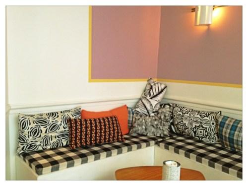 le rosie paris 18eme friendly cafe with cushions