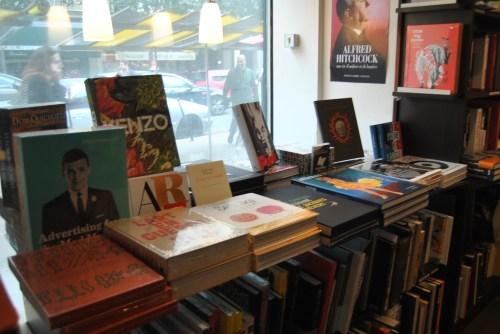 Bookstore Comme un roman paris 1