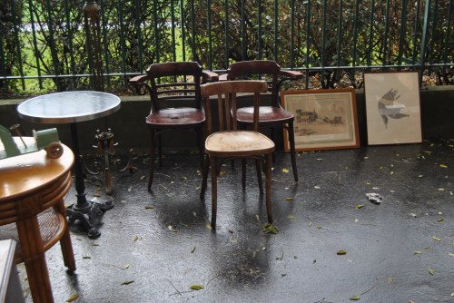 old chairs and frames paris