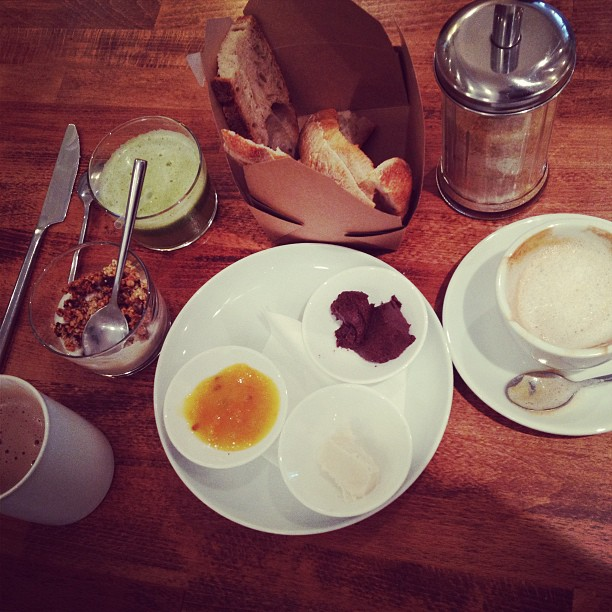 breakfast at cafe pinson