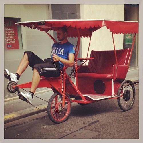 red bicycle paris