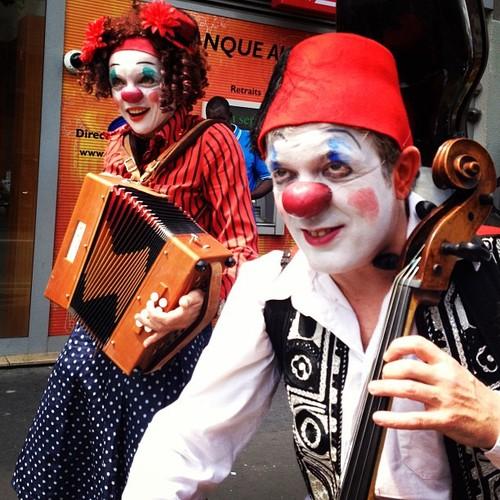 red clown paris