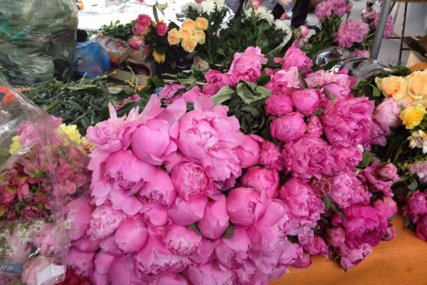 wednesday food market paris