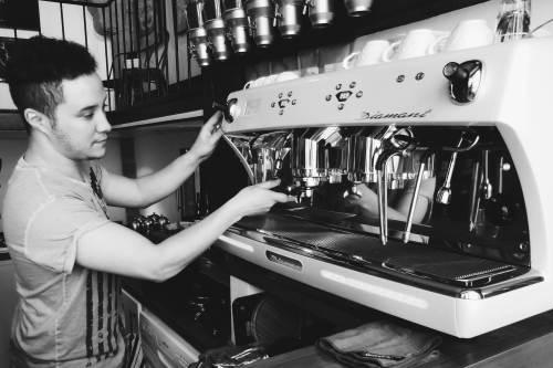 coffee machine artefact paris marais