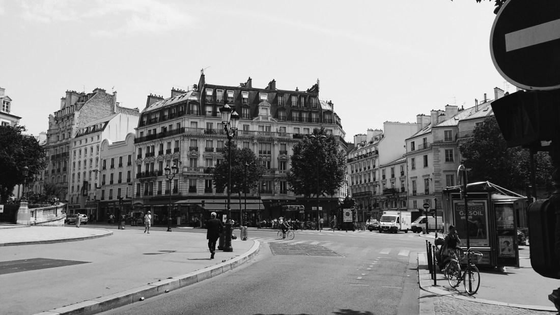 walks around paris