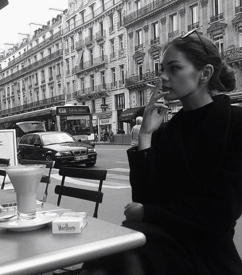 budget living in paris