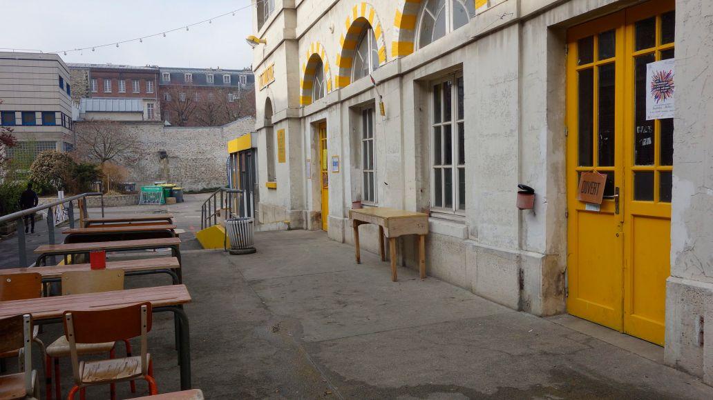 homeless restaurant and squat paris