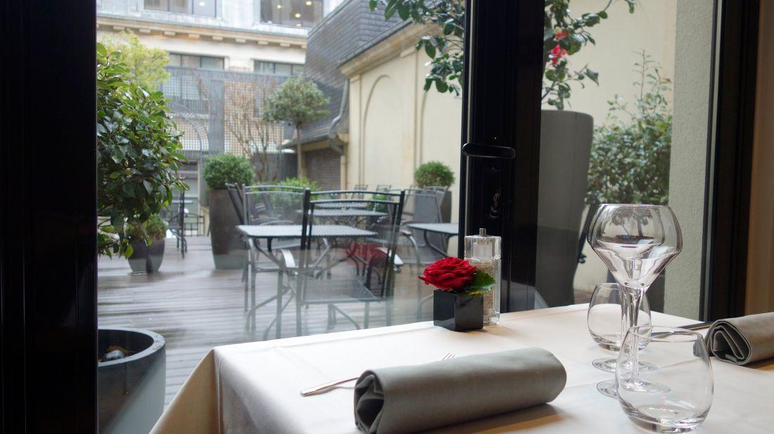 romantic lunch paris radisson blu hotel