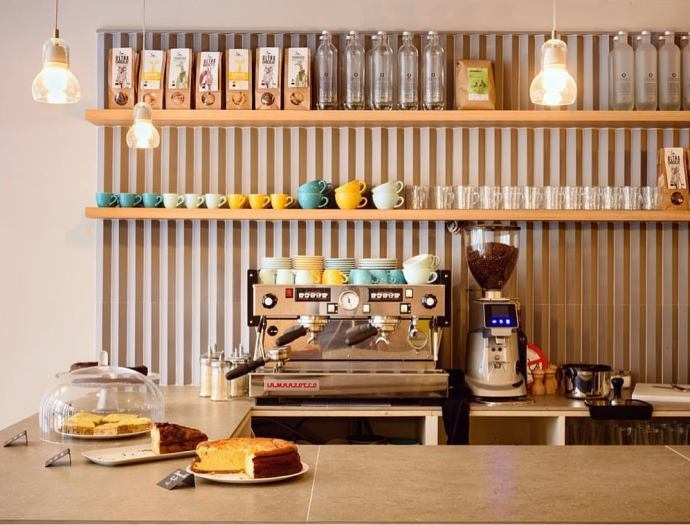 zouzou coffee shop paris