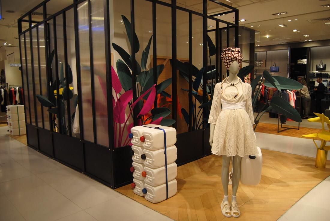 inside paris shopping experience