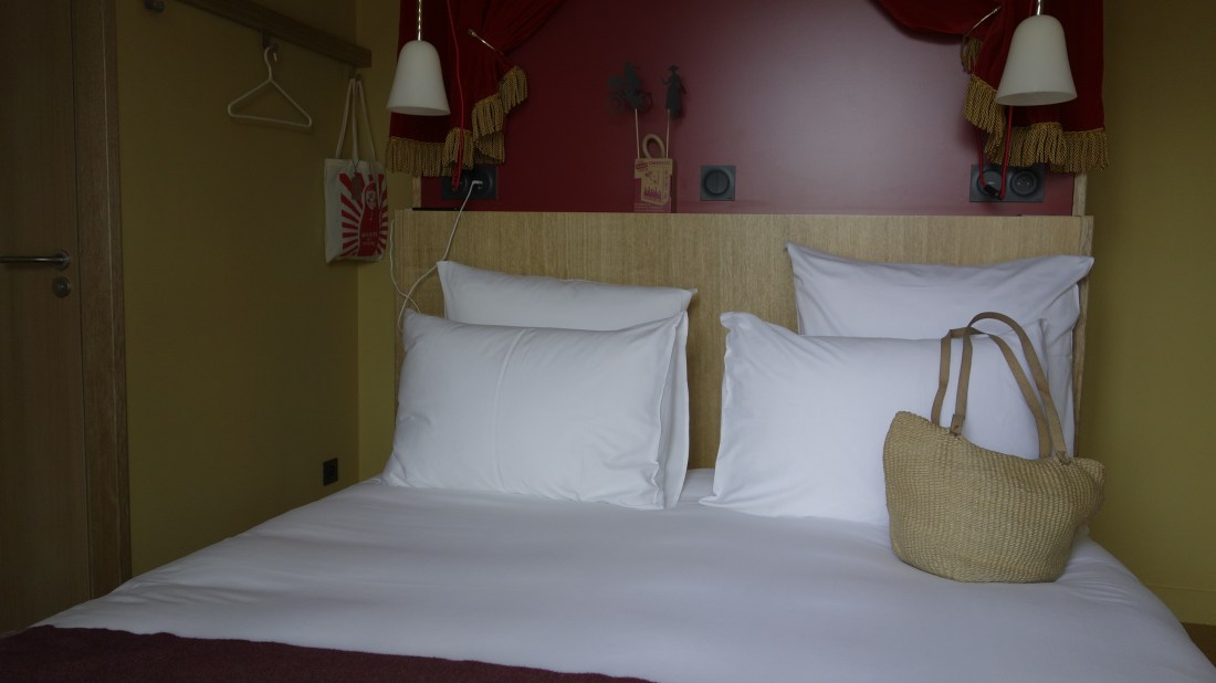 bed 2 mob hotel paris saint ouen