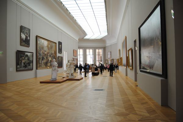 5 Contemporary Art Galleries Check In Paris