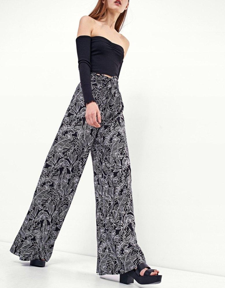 été-pantalon-palazzo-fleuri-stradivarius