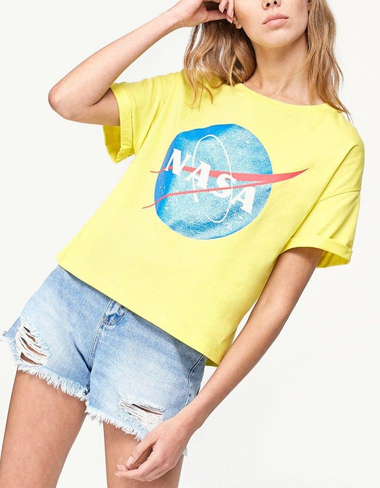 look-space-tshirt-nasa-jaune-stradivarius