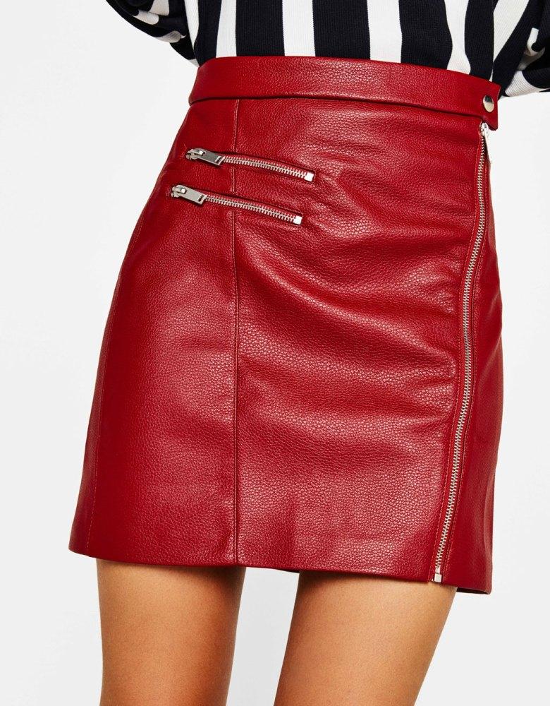 look-ado-selection-shopping-jupe-simili-cuir-rouge-bershka