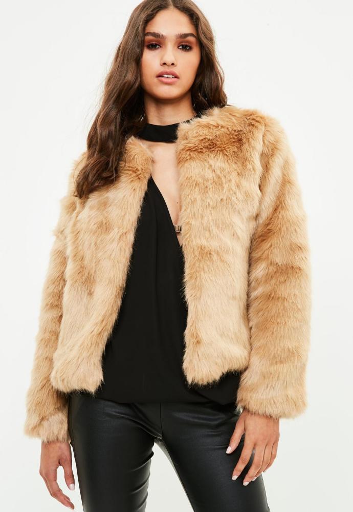 look-manteau-fausse-fourrure-shop-marron-missguided