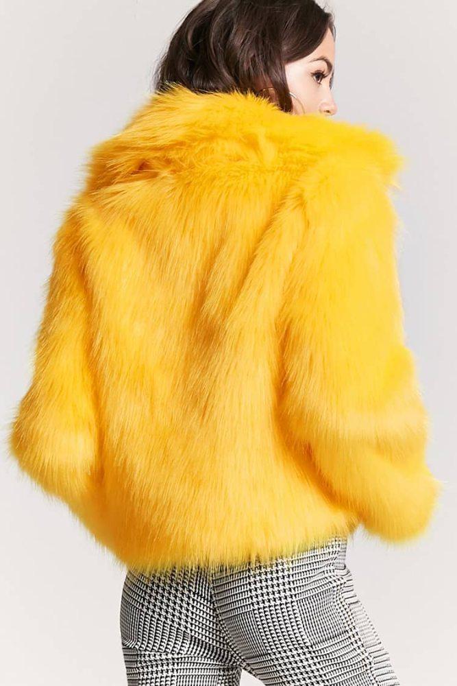 look-fausse-fourrure-jaune-titi-forever-21