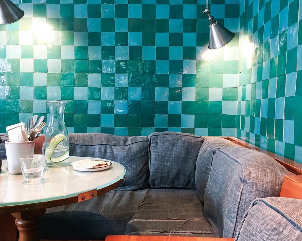 bonnes-adresses-food-londres-farm-girl-decoration-interieur-vert
