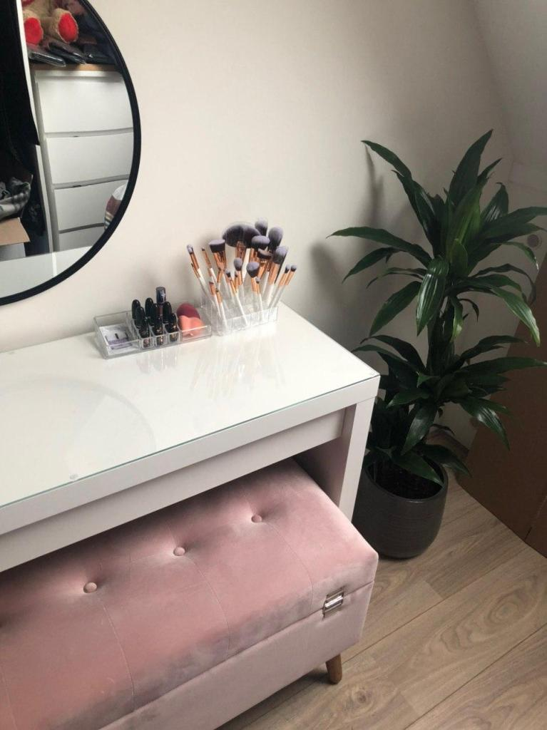 Digital Housetour: Vanity- My Passion Projects