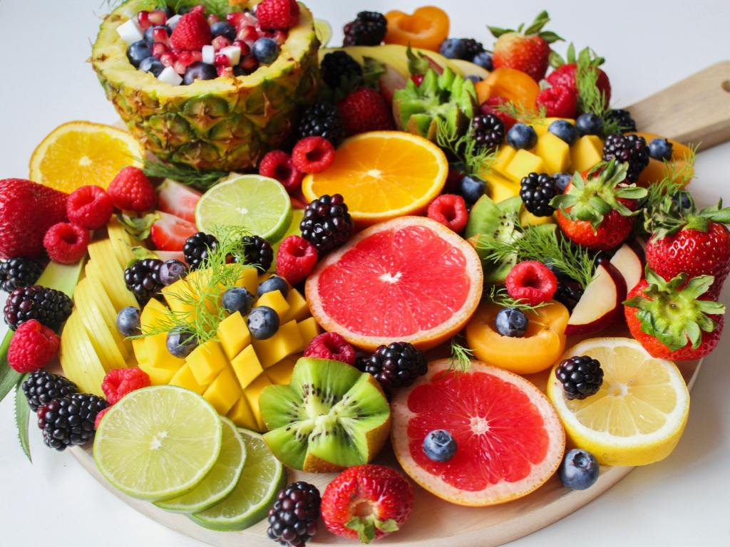 Image of fruits in the blog safe & toxic food for dogs