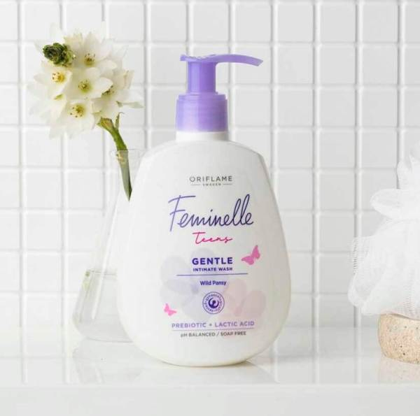 34501 oriflame - dung dịch vệ sinh phụ nữ oriflame Feminelle Teens Gentle Intimate Wash Wild Pansy