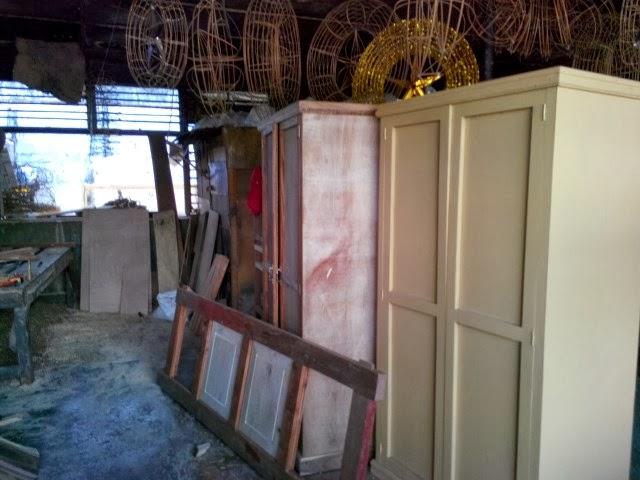Furniture-shop2
