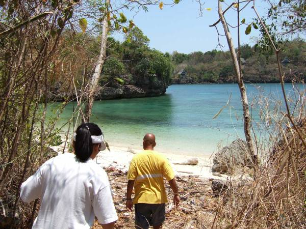 After lunch we take a short hike - Guimaras Island