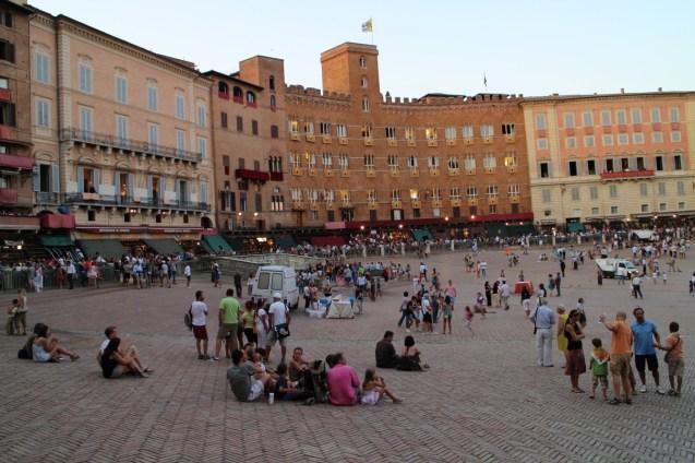 Piazza del Campo während Palio
