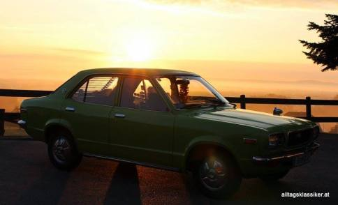 Oldtimer Mazda Sedan