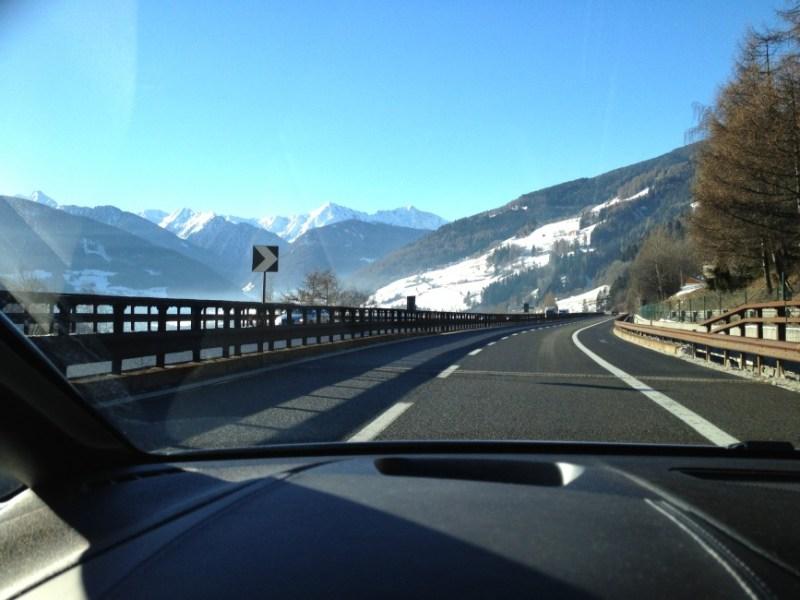 Durch die Alpen mit dem Auto
