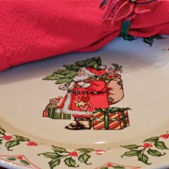 Ho Ho Ho … A Vintage Christmas Tablescape