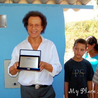 Richard Simmons Travels to Brazil: Meeting the Children of Hope Unlimited