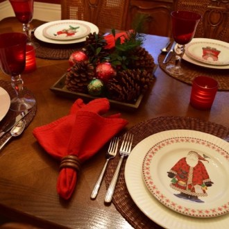 Casual Christmas Tablescape
