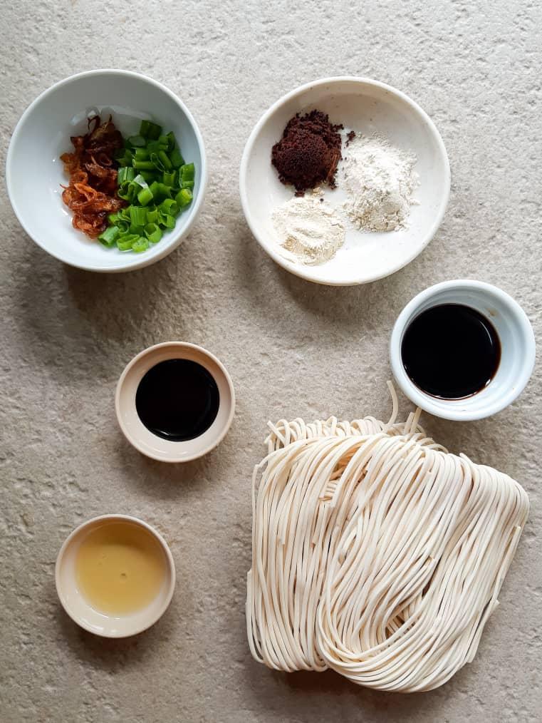 Ingredients needed for vegan dro wonton noodles