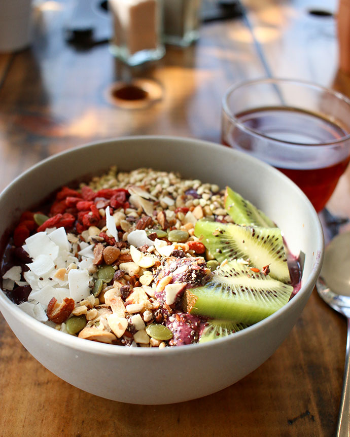 HAH lorne - acai bowl - what to eat in lorne food guide - mypoppet.com.au