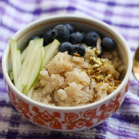 Very easy Slow Cooker Rice Pudding Recipe - Make in your crock pot, just set and forget. #recipe #ricepudding #slowcooker #crockpot mypoppet.com.au