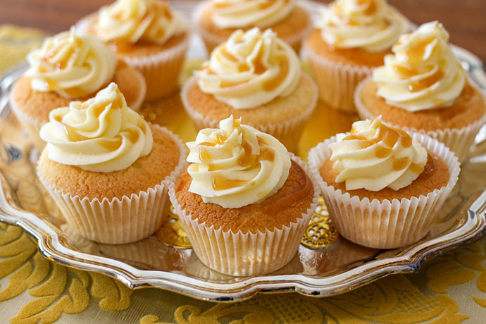 Butterbeer cupcake recipe with caramel filling - mypoppet.com.au