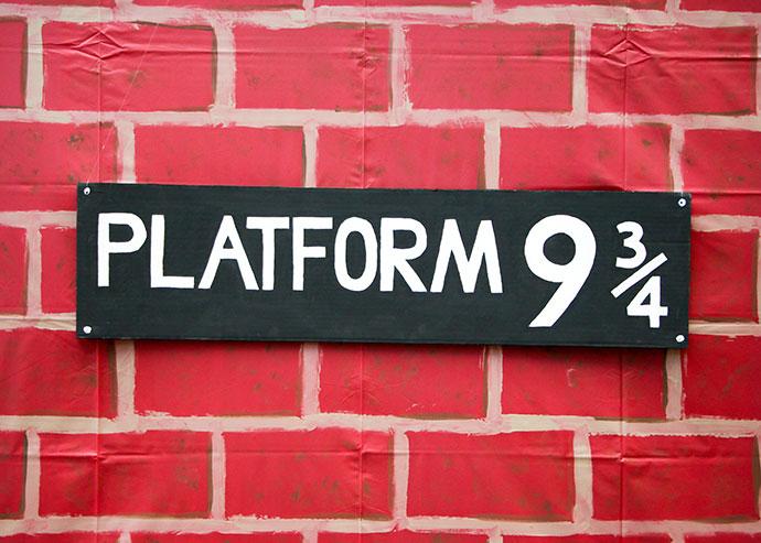 Platform 9¾ sign DIY - mypoppet.com.au