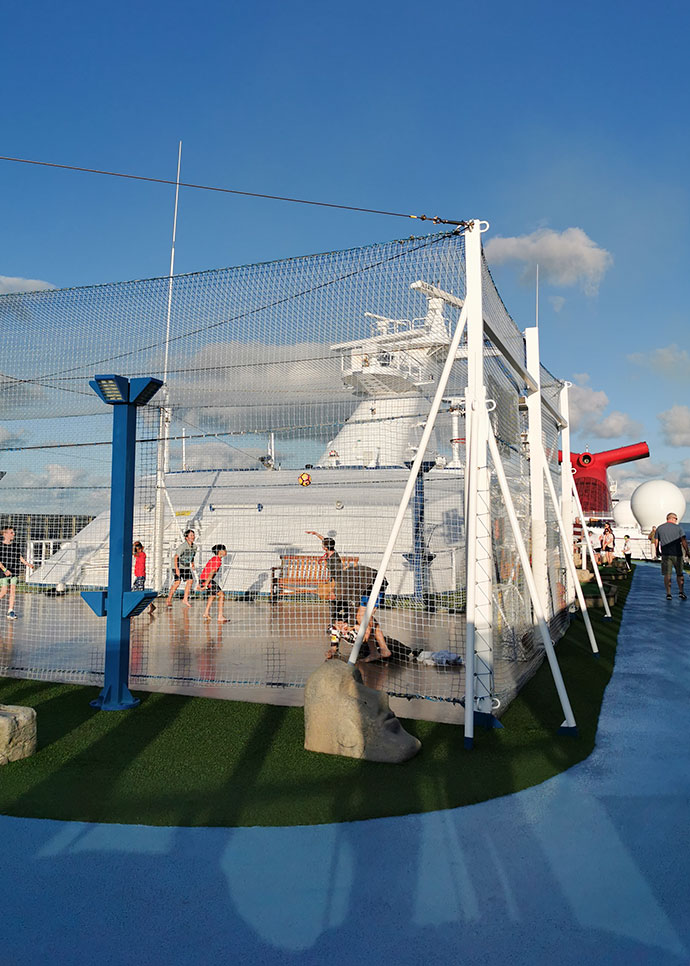 How to avoid gaining weight on a cruise - basket ball court