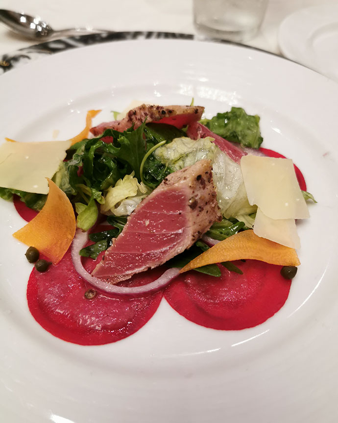 Grilled tuna salad starter - food