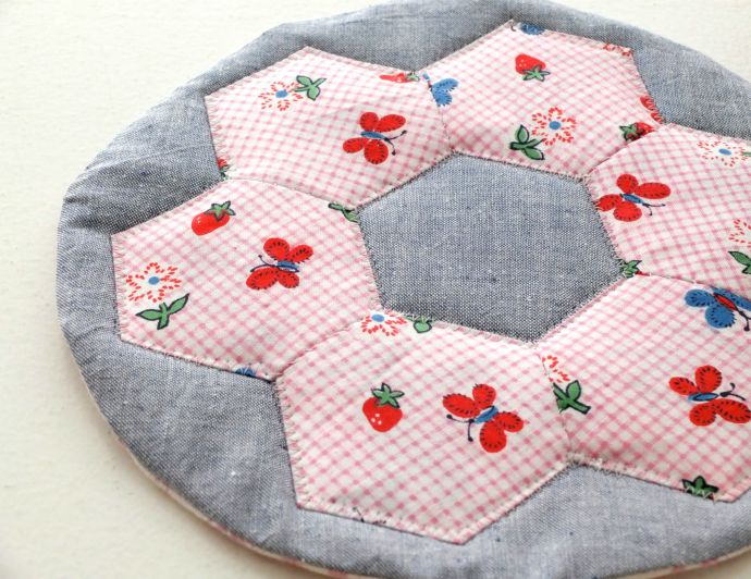 DIY hexagon quilted hot pad instructions
