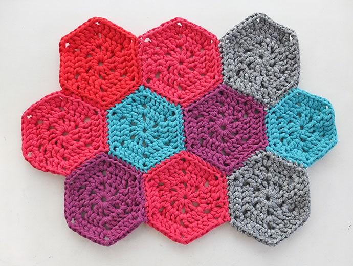 Hexagon crochet mat - mypoppet.com.au