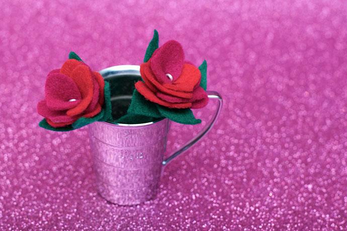 Felt rose flower pattern
