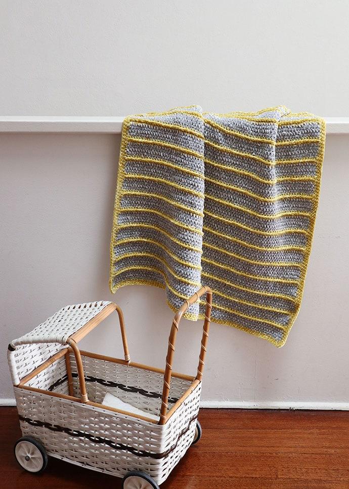 Bernat Baby velvet yarn review - Crochet baby blanket pattern