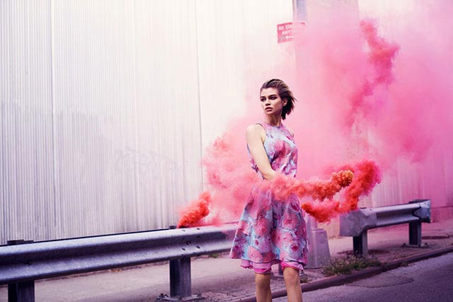 Language In 45 And 47 Stella Street: 71 Coolest Examples Of Use Of Smoke Bomb In Photography