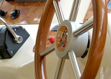 25549-Azimut-58-Flybridge-Motor-Boat-Detail
