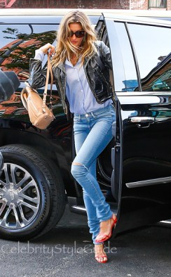 Frame-Denim-Forever-Karlie-Jeans-in-Fairfax-Worn-By-Gisele-Bundchen