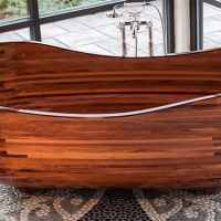 Woodworker creates stunning bathtubs using marine technology