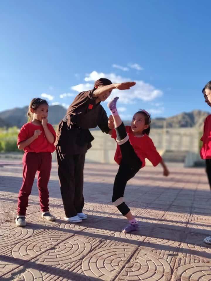 kung fu nuns training young girls
