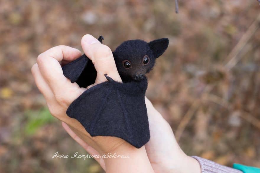 Anna's felted bat
